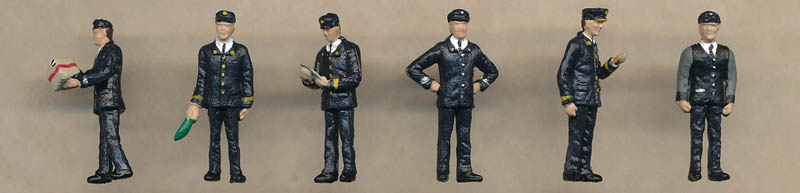 Bachmann 1960/70s Station Staff figures