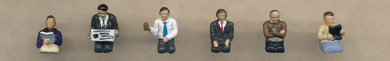 Bachmann Seated Coach Passengers figures